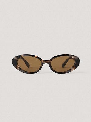 NA-KD Accessories Ovala Solglasögon I Retromodell brun