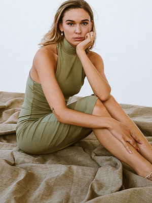 Tina Maria x NA-KD Jerseybody Med Vriden Detalj Bak grön