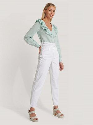 Jeans - Basma & Merna x NA-KD Mom-Jeans Med Hög Midja vit