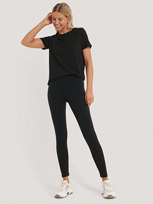 NA-KD Basic Basic Highwaist Leggings svart