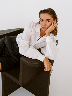 Tina Maria x NA-KD Skjorta Med Lös Passform vit
