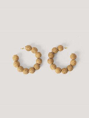 NA-KD Accessories smycke Oversize Flätade Raffiahoops beige