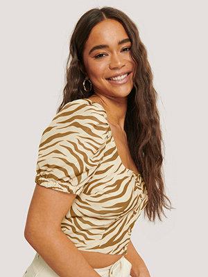 Sara Sieppi x NA-KD Puff Sleeve Cropped Top brun