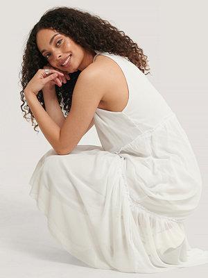 Trendyol Maxiklänning Med Halterneck vit