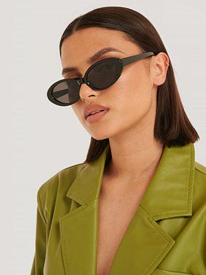 NA-KD Accessories Ovala Solglasögon I Retromodell svart