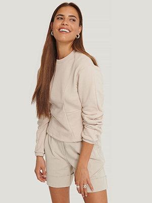Tröjor - NA-KD Trend Sweatshirt Med Sömdetalj beige