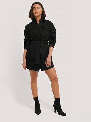 Chloé B x NA-KD Miniklänning svart