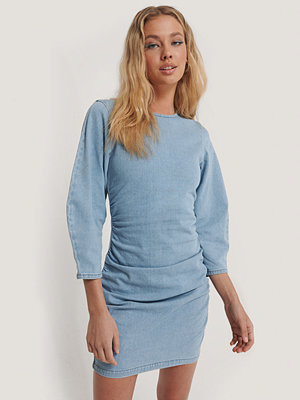 Annais x NA-KD Miniklänning I Denim blå