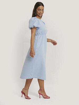 NA-KD Party Midiklänning Med Kort Puffärm blå
