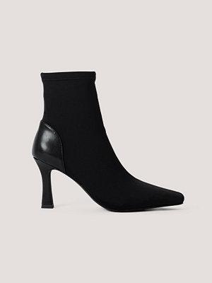 Chloé B x NA-KD Stövlar Med Tvär Tå svart