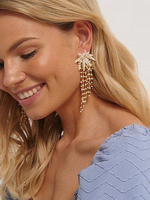 NA-KD Accessories smycke Strassörhängen guld