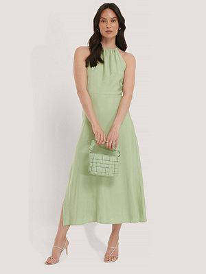 Trendyol Halterneckklänning grön