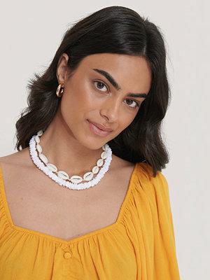 NA-KD Accessories smycke Halsband I Lager Med Snäckor Och Stenar vit
