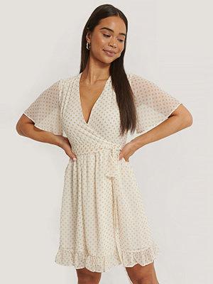 NA KD Contrast Lace Satin Mini Dress vit Klänningar online