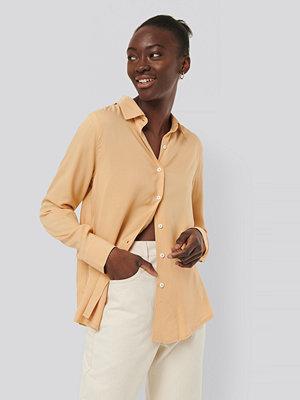 NA-KD Reborn Skjorta Med Knappar beige