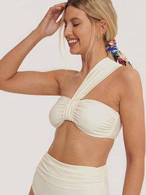 NA-KD Swimwear Bikinitopp Med Remmar offvit
