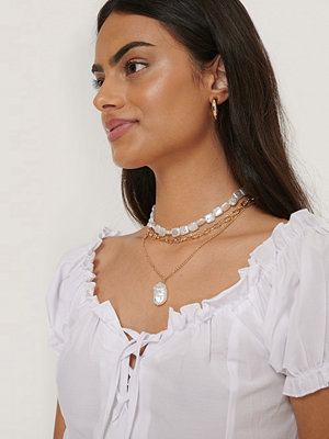 NA-KD Accessories smycke Platt Pärlhalsband I Lager guld