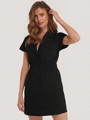 NA-KD Trend Miniklänning Med Fickdetaljer svart