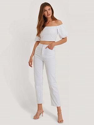 NA-KD Straight High Waist Jeans vit