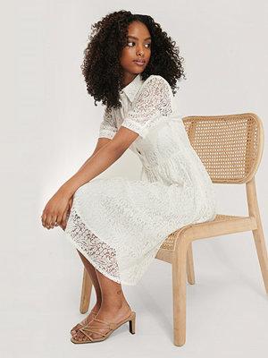 NA-KD Boho Spetsklänning Med Kort Ärm vit