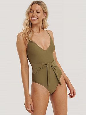 Baddräkter - NA-KD Swimwear Baddräkt Med Knyt Framtill grön