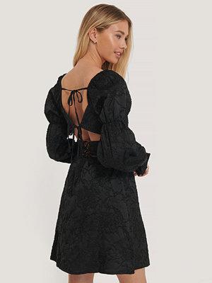 NA-KD Boho Jaquardklänning Med Bar Rygg svart