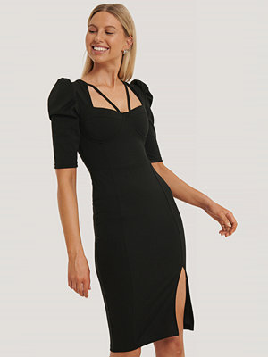 Trendyol Midiklänning Med Kort Puffärm svart