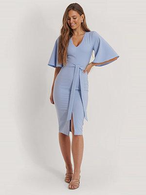 Trendyol Midiklänning Med Knytdetalj blå
