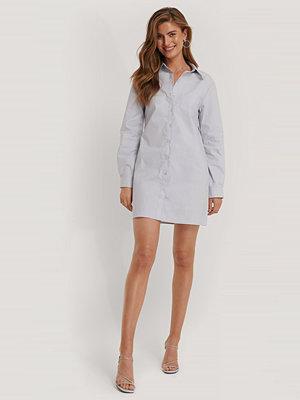 Kim Feenstra x NA-KD Skjortklänning blå