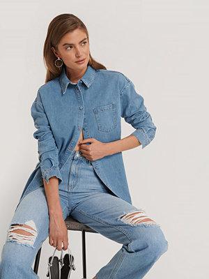 Kim Feenstra x NA-KD Denimskjorta blå
