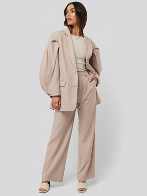 NA-KD Classic omönstrade byxor Relaxed Fit Suit Pants beige