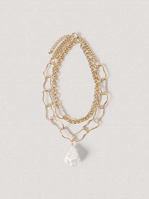 NA-KD Accessories smycke Oversize Kedjehalsband I Pärllook guld