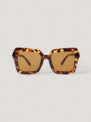 NA-KD Accessories Oversize Fyrkantiga Retrosolglasögon brun