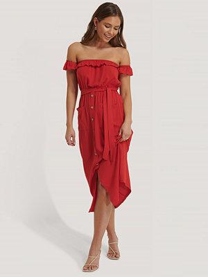 Trendyol Midiklänning Med Knappdetalj röd