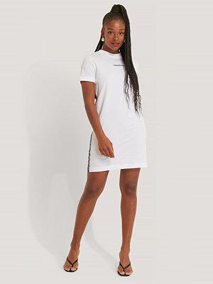 Calvin Klein T-Shirtklänning vit