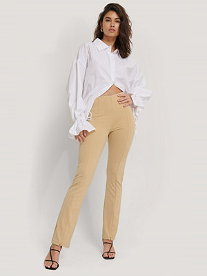 Sisters Point gula byxor Pipi Pants beige