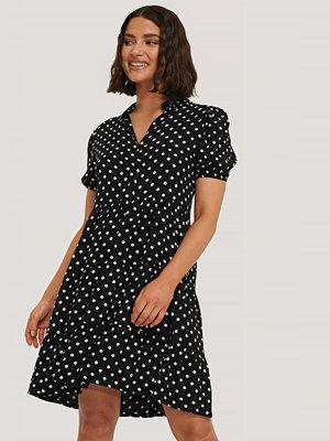 Trendyol Skjortklänning svart