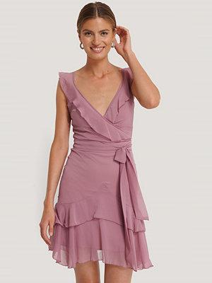 Trendyol Miniklänning Med Volanger rosa