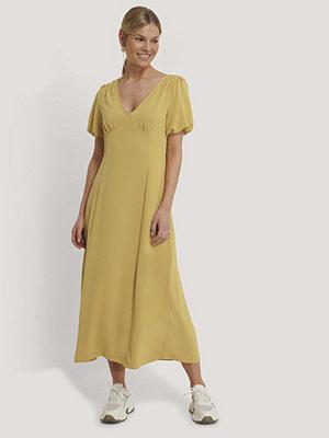 NA-KD Trend Klänning Med Puffärm gul