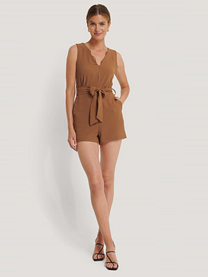Jumpsuits & playsuits - Trendyol Playsuit Med Bälte brun