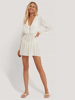 Trendyol Miniklänning Med Knappdetaljer vit