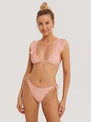 NA-KD Swimwear Trosa Med Trekantsdetalj vit röd