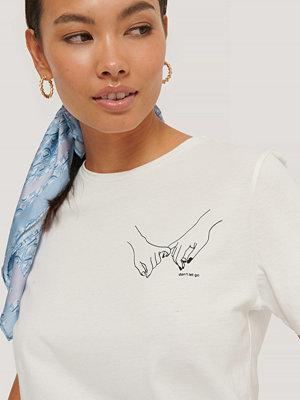 NA-KD Liten T-Shirt Med Tryck offvit