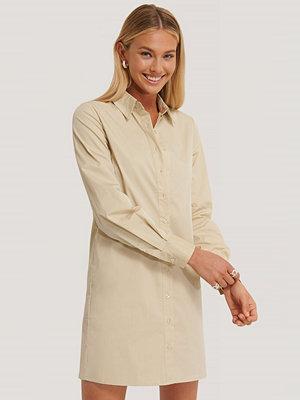 AFJ x NA-KD Skjortklänning beige