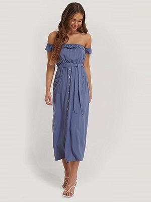 Trendyol Midiklänning Med Knappdetalj blå