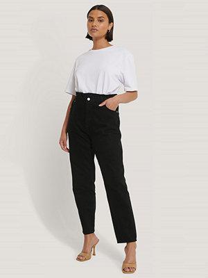 NA-KD Jeans Med Paperwaist svart