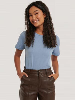 NA-KD Basic Bas-T-Shirt blå