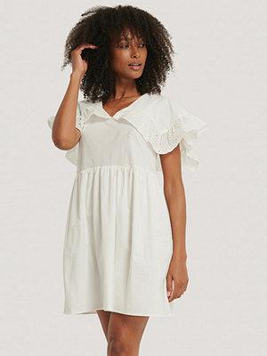Trendyol Miniklänning vit