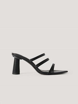 Pumps & klackskor - NA-KD Shoes Konformade Mules Med Rem svart