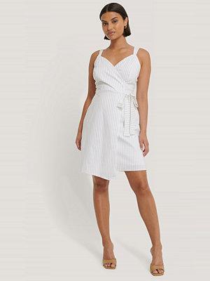 Trendyol Randig Miniklänning vit